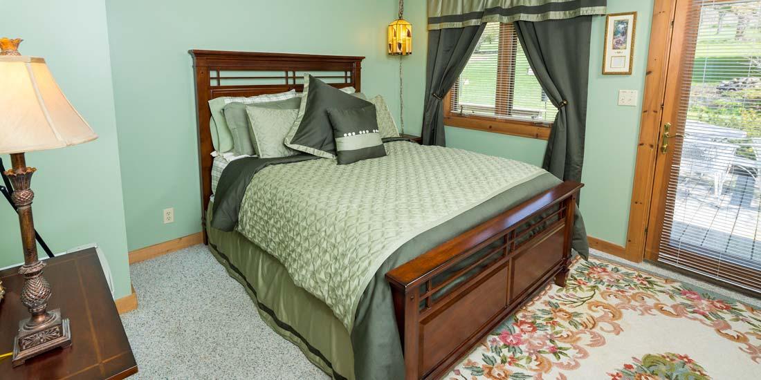 Woodlands Room Bed