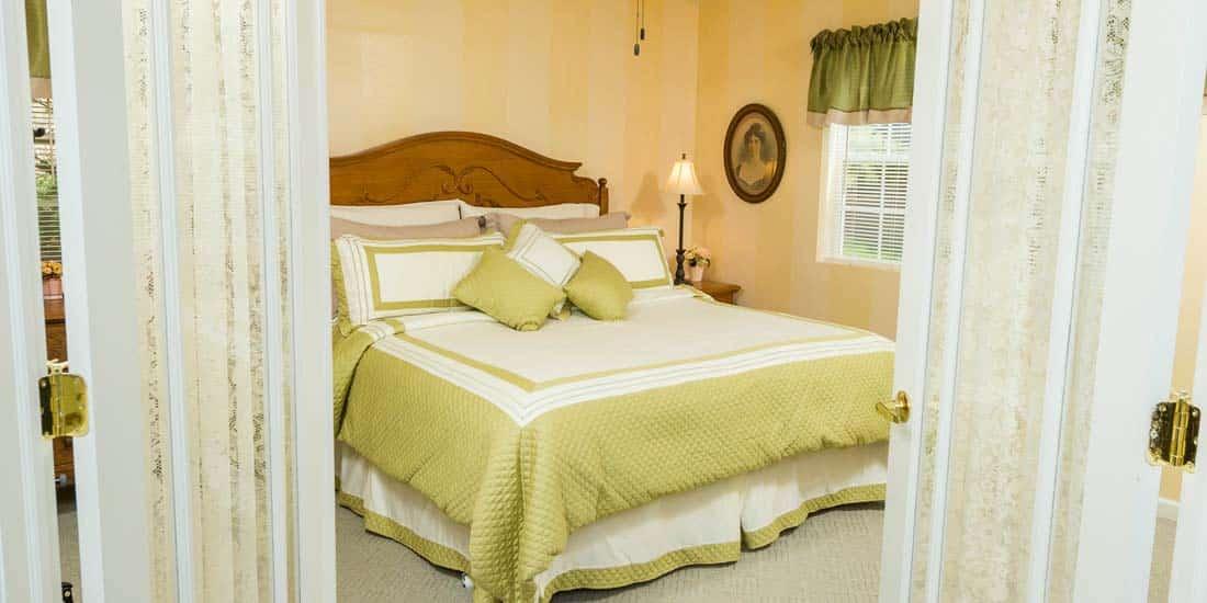 Somerset Cottage Bed