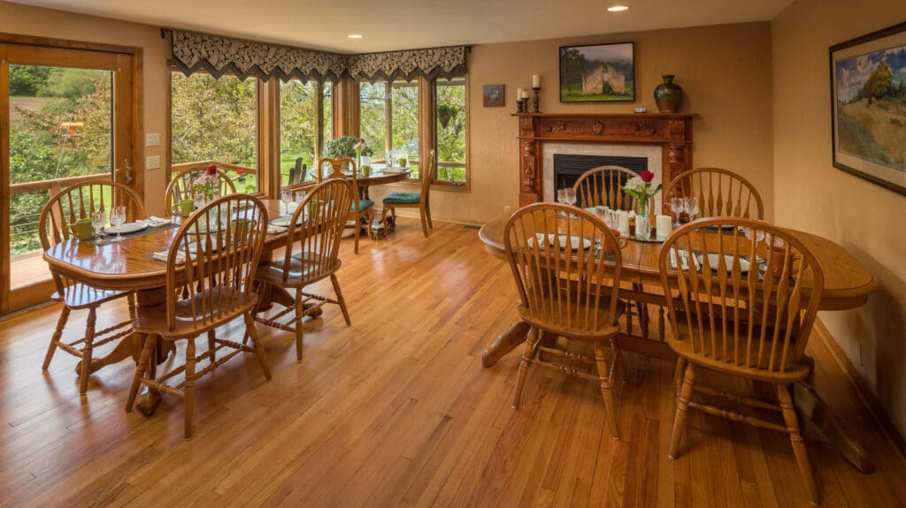 picture of dining room with 3 tables